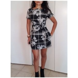 French Connection Black & White Short Sleeve Dress